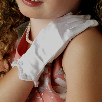 Childrens Satin Scalloped Edge Gloves ~ GL Child 203 Scalloped