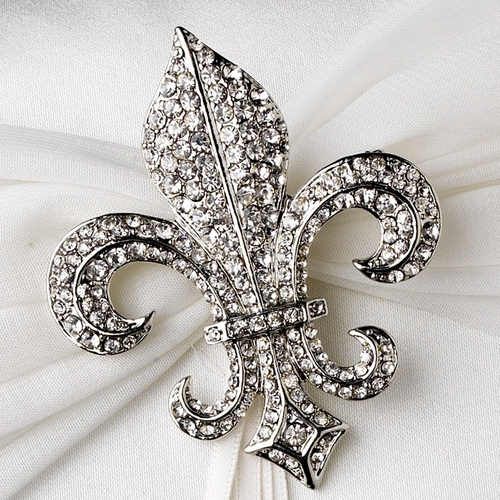 Ring Pillow 11 with Silver Clear Fleur De Lis Brooch 109
