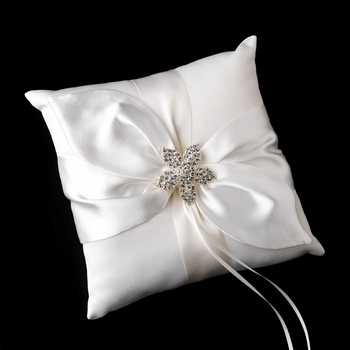 Ring Pillow 17 with Silver Clear Floral Starfish Brooch 3174