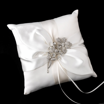 Ring Pillow 17 with Silver Clear Vintage Flower Brooch 85