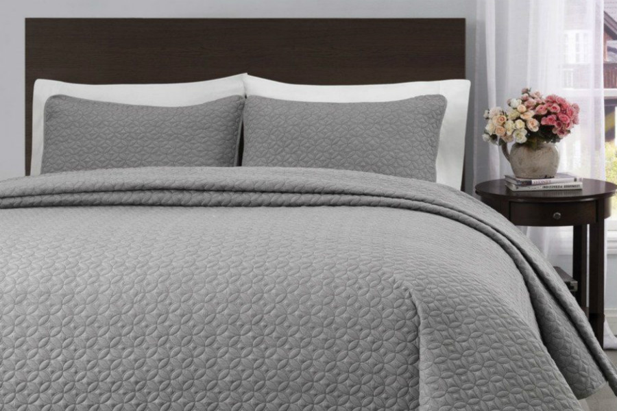 e851798c0d5 King Cal-King Size Light Gray Quilt Coverlet Bedspread Set Quilt Coverlet  Bedspread Set