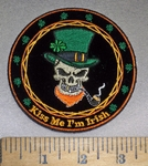 4223 CP - Irish Skullman With Irish Tophat And Pipe - Kiss Me I'm Irish - Round - Embroidery Patch