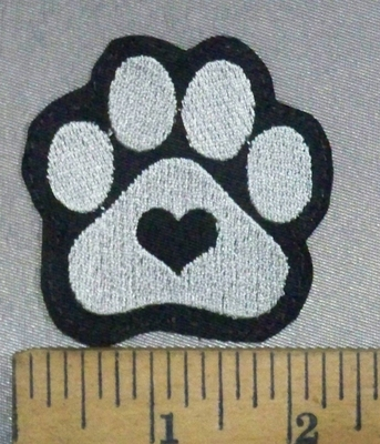 4840 L - Paw Print With Heart - Embroidery Patch