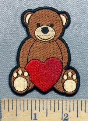 5612 CP - Bear With Red Heart - Embroidery Patch