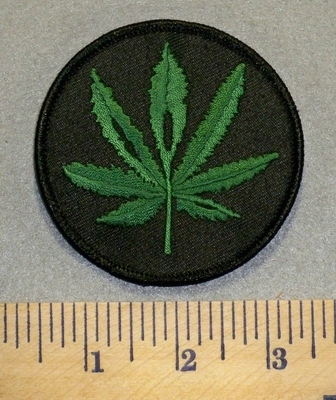 2462 N - Pot Leaf - Round Patch - Embroidery Patch