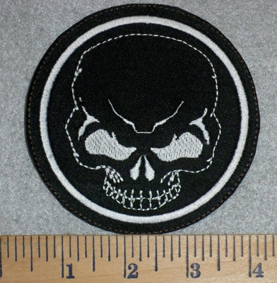 2797 L - Skull Face In Round Patch - Embroidery Patch