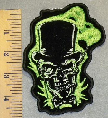 2488 N - Skull Face With Tophat - Glow In The Dark - Embroidery Patch