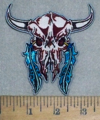 3536 N - White Desert Skull With 2 Blue Feathers - Embroidery Patch