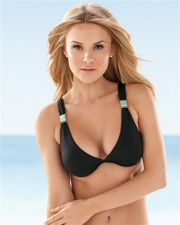 Hermanny by Vix Swimwear Glamour Underwire Top in Black
