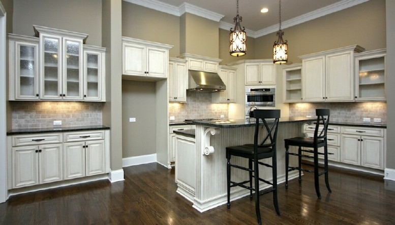 White chocolate kitchen cabinets for White kitchen cabinets with chocolate glaze