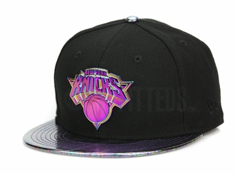 New York Knicks Oil Tricked Metal Badge Jet Black Multi-Color New Era 9FIFTY Snapback