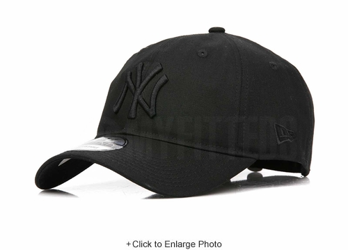 New York Yankees Triple Black Core Classic New Era 9TWENTY Dad Hat