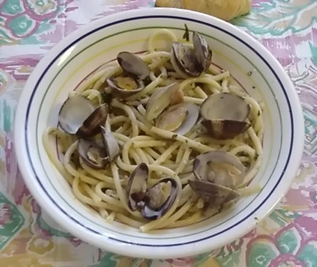 Linguini with Olive Oil Clam Sauce - Prep. Time 35 Minutes