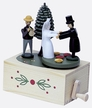 "Wedding Couple Music Box by Wolfgang Werner Volkskunstwerkstatt in Seiffen plays ""Lohengrin Brautchor"""