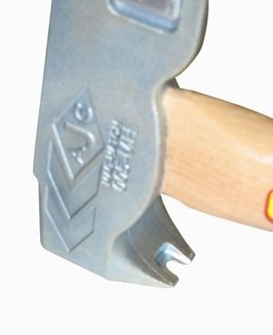 Ajc Tools 005 Mh Mag Hatch Magnetic Faced Roofing Hatchet
