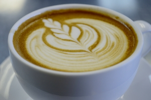 VIDEO:  HOW TO MAKE A LATTE