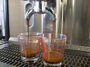 VIDEO:  HOW TO MAKE ESPRESSO