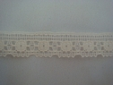 Cream Scalloped Lace Trim 1/2 W L6-7