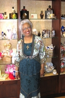 World Renowned Speaker & Author and Friend Mama T (Thelma Wells) visits Sents Cheaper
