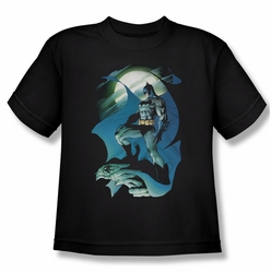 Batman youth teen t-shirt Glow Of The Moon black