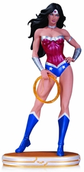 Cover Girls Wonder Woman Statue