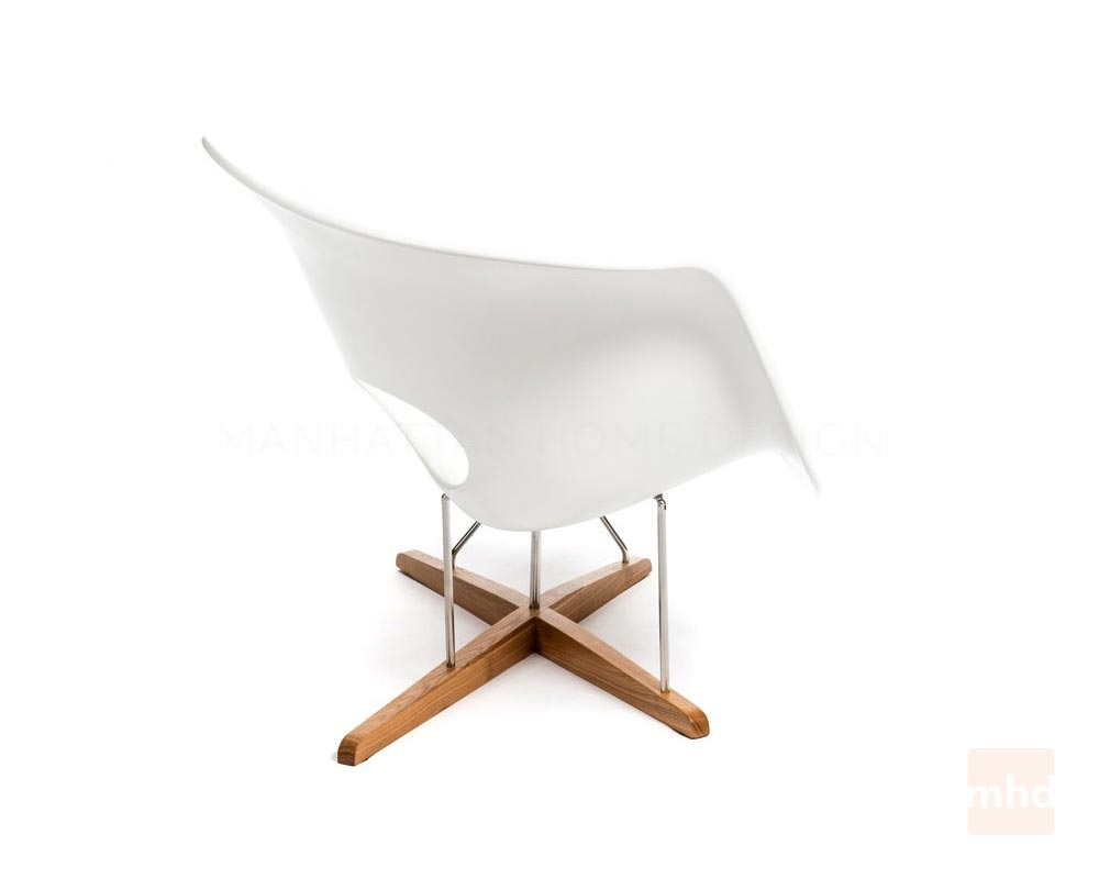 La chaise eames la chaise vitra for Reproduction chaise eames