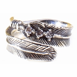 Mac&Lou Pocahon Ring Women Sterling Feather Ring - Silver