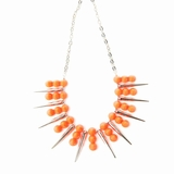 Plastik Krappe Orange & Silver Spike Necklace