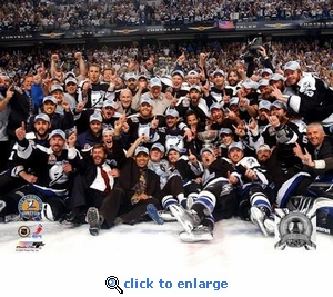 2004 NHL Stanley Cup Tampa Bay Lightning Team Celebration 8x10 Photo