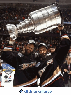 2007 Stanley Cup Scott & Rob Niedermayer Holding Cup 8x10 Photo