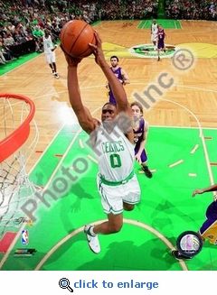 2008 NBA Finals Boston Celtics Leon Powe, Game 2 Heroics 8x10 Photo