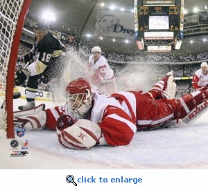 2008 NHL Stanley Cup Detroit Red Wings Osgood Makes Final Save Game 6 8x10 Photo