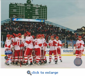 2009 NHL Winter Classic Team Celebration 8x10 photo - Detroit Red Wings