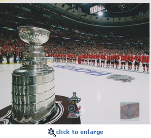 2010 NHL Stanley Cup Banner Raising 8x10 photo - Chicago Blackhawks