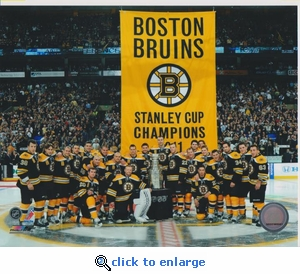 2011 NHL Stanley Cup Banner Raising 8x10 photo - Boston Bruins