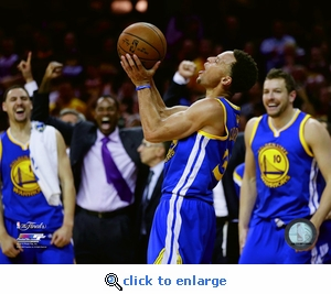 2015 NBA Finals Game 6 - Curry Celebration 8x10 Photo - Golden State Warriors