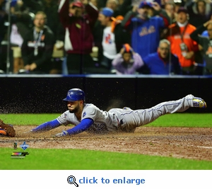 2015 World Series Game 5 Eric Hosmer Game Tying Slide 8x10 Photo - Kansas City Royals