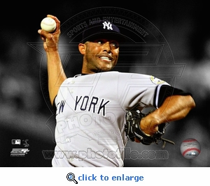 Mariano Rivera Spotlight Action 8x10 Photo - New York Yankees