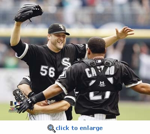 Mark Buehrle Perfect Game Celebration 8x10 Photo - White Sox