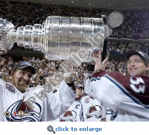 Ray Bourque and Patrick Roy With Stanley Cup 6/9/01 8x10 Photo