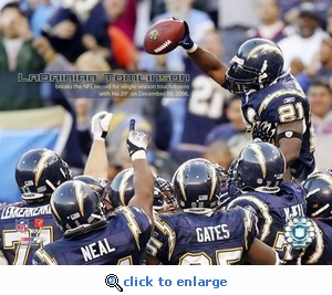 San Diego Chargers LaDainian Tomlinson Breaks Single-Season Touchdown Record 8x10 Photo