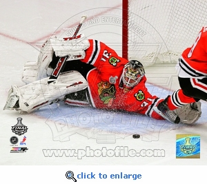 Stanley Cup 2010: Game 5: Niemi Save 8x10 Photo - Chicago Blackhawks