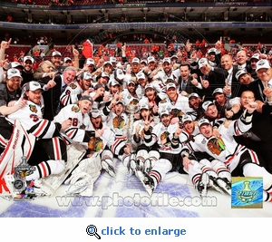Stanley Cup 2010: Game 6: Team Celebration 8x10 Photo - Chicago Blackhawks