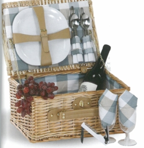 Boothbay 2 Person Picnic Basket