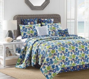 Catalina Deluxe Quilt Set by Sara Berrenson