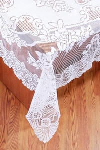 Erin Lace Tablecloth 63 x 90