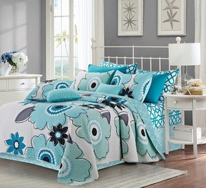 Francesca Aqua/White Quilt Set