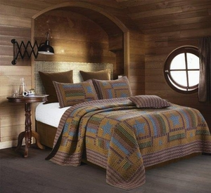 Lodge Patchwork Quilt Ensemble