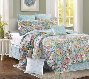 Sweet Petite Deluxe Quilt Set by Sara Berrenson