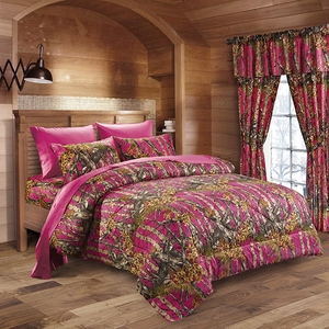 The Woods Hot Pink Comforter